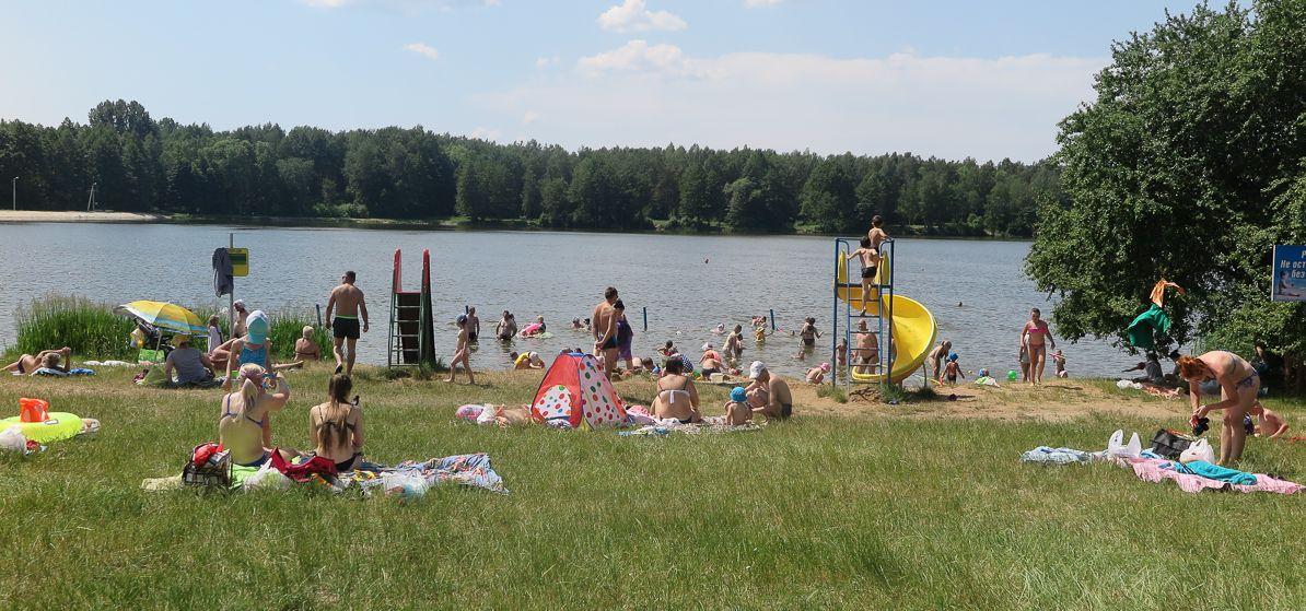 Медики и ОСВОД – о том, чем опасно купание в холодной воде и почему запрещено плавать на надувном матрасе