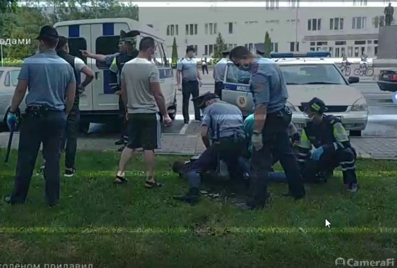 Главный редактор «Ганцавіцкага часу» рассказал об избиении журналистов милицией