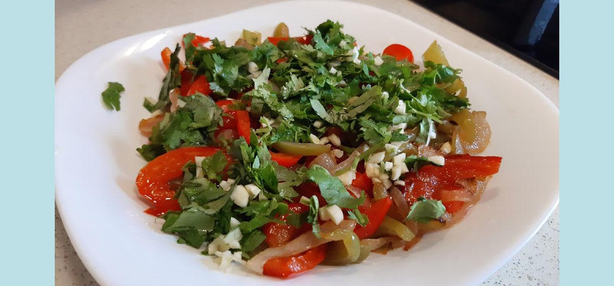 Кавказская кухня дома. Как мы готовили теплый кавказский салат. Видео