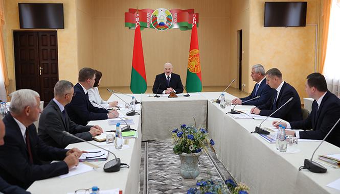 Новости. Главное за 12 июня: Лукашенко назвал Бабарико негодяем, пригрозил Интерполом, и дальнобойщики рассказали, как коронавирус изменил их работу в Беларуси