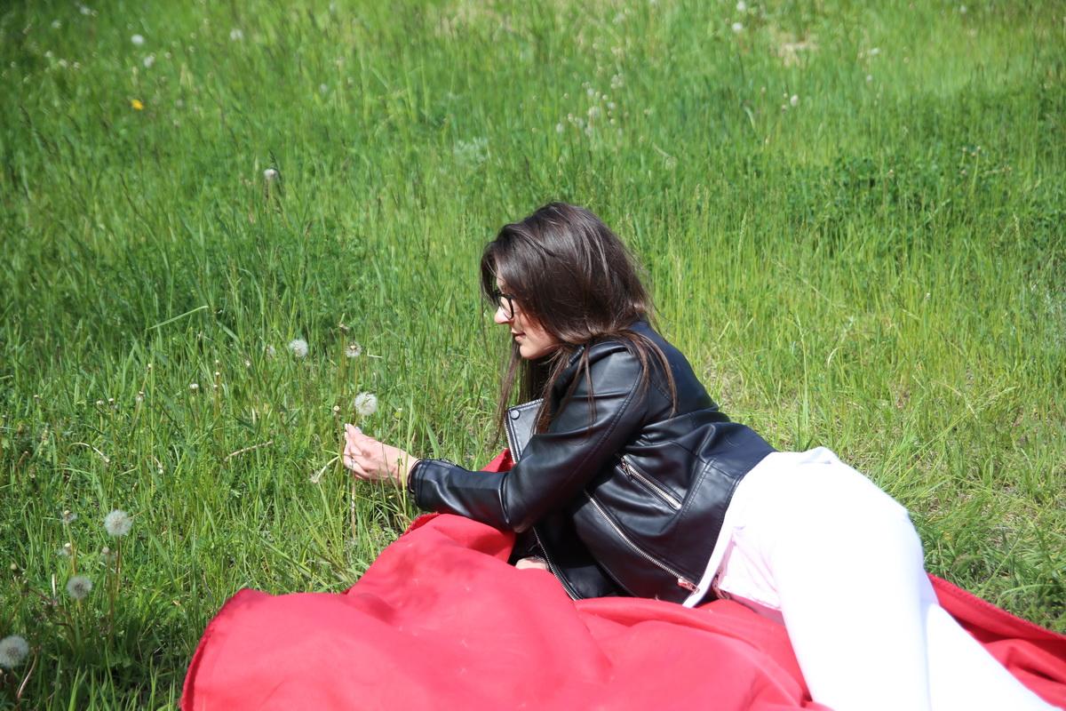 Чтобы поездка на природу не обернулась неожиданными проблемами с кожей, медики рекомендуют соблюдать меры предосторожности.  Фото: Андрей БОЛКО