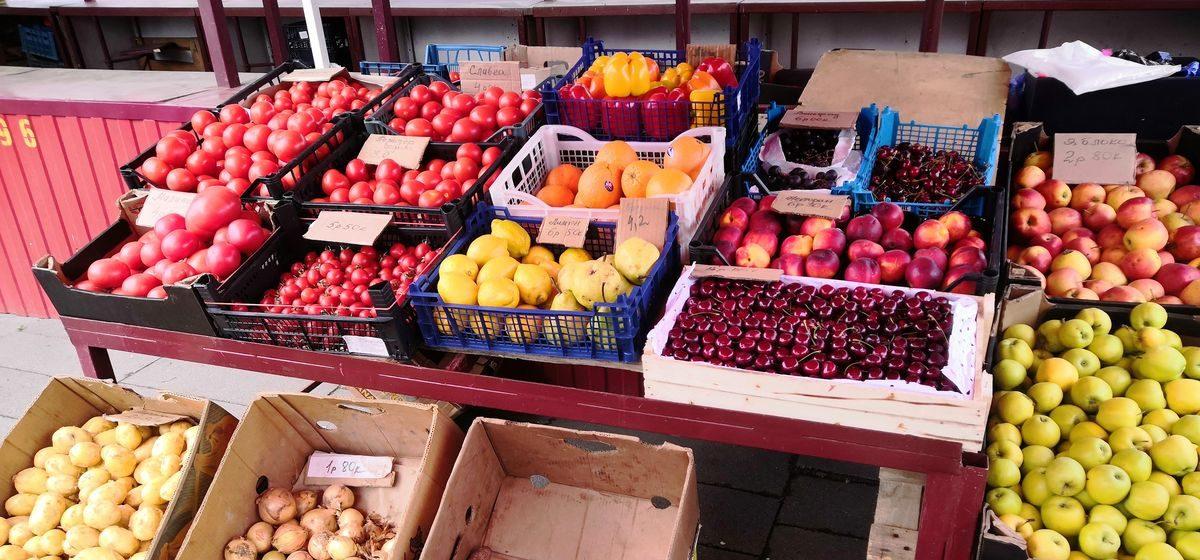 Что почем. На барановичском рынке подешевела молодая картошка, появилась ранняя морковь