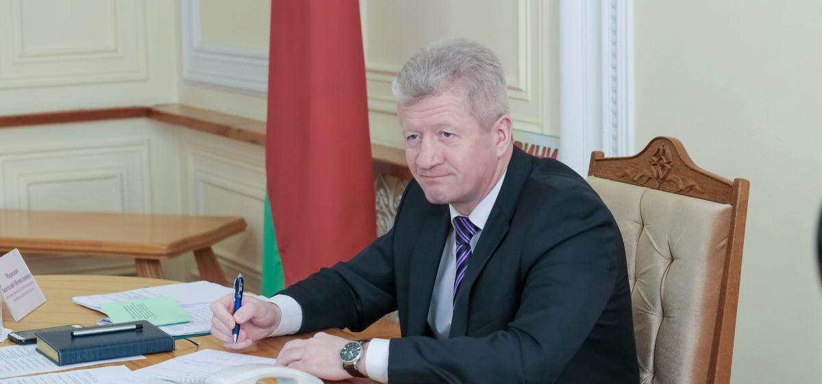 Помощник Лукашенко проведет прямую телефонную линию для жителей Барановичей