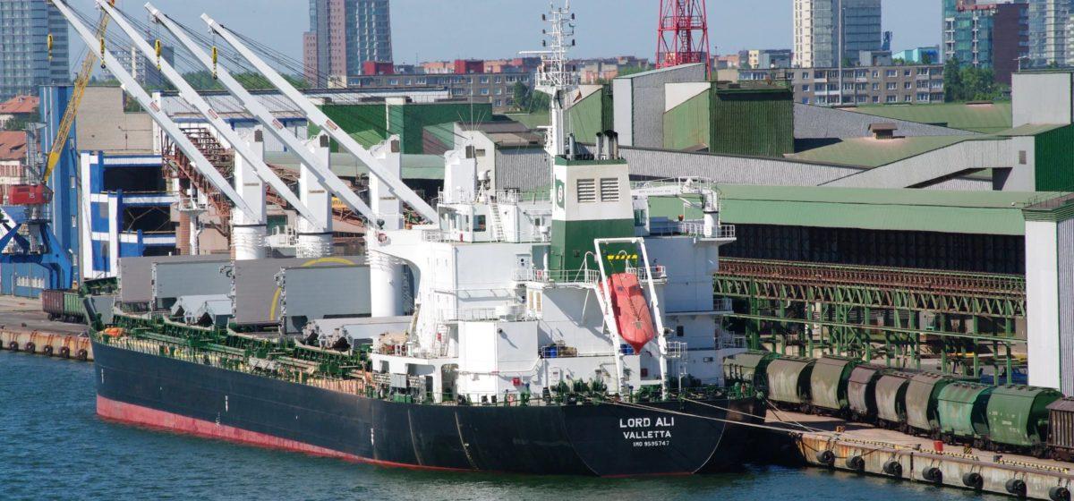 Первый танкер с американской нефтью для Беларуси прибыл в Клайпеду