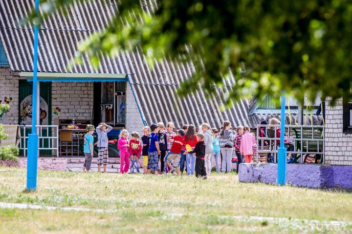 «Это были дети из одного отряда». Директор «Зубренка» — о ситуации с СOVID-19 в популярном лагере