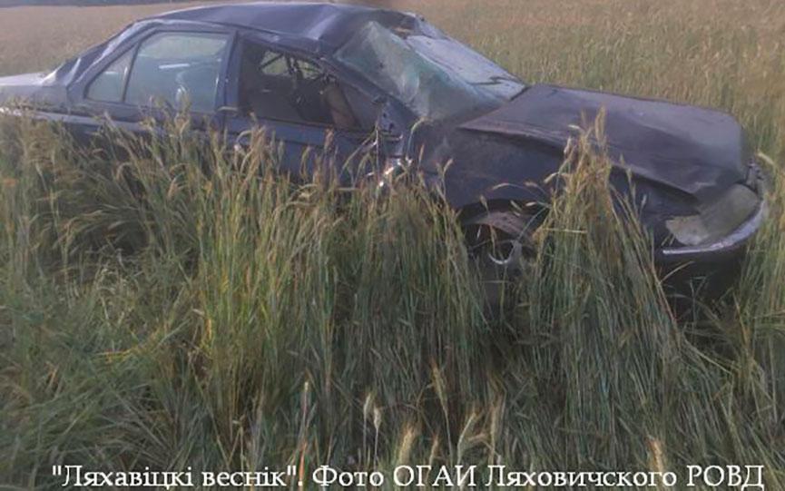 Житель Барановичей не справился с управлением ‒ его машина перевернулась