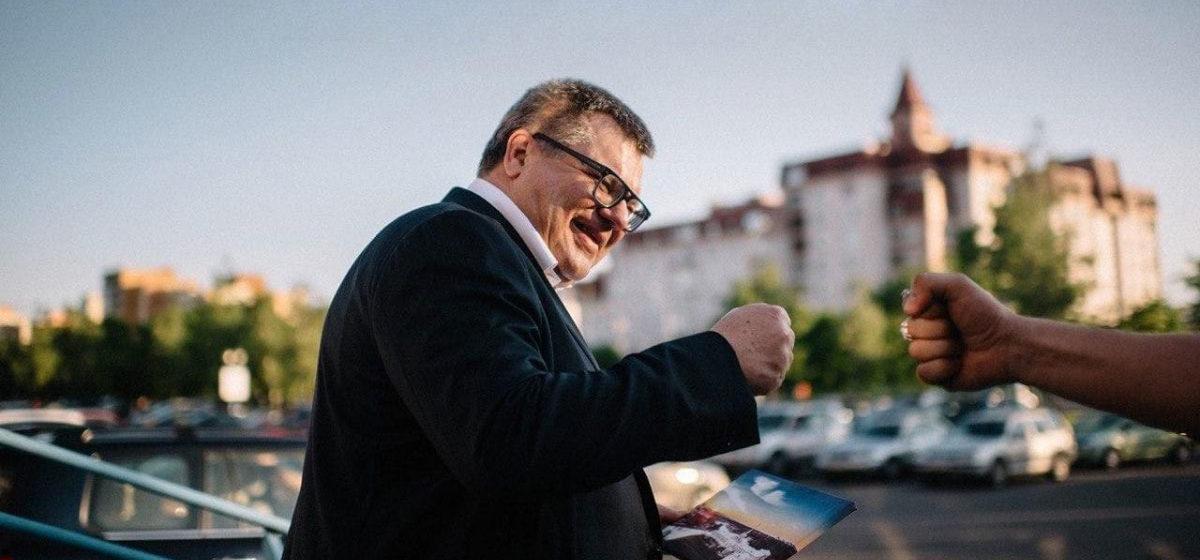 Виктор Бабарико находится в статусе подозреваемого, он «бодр, возмущен и слышал поддержку»