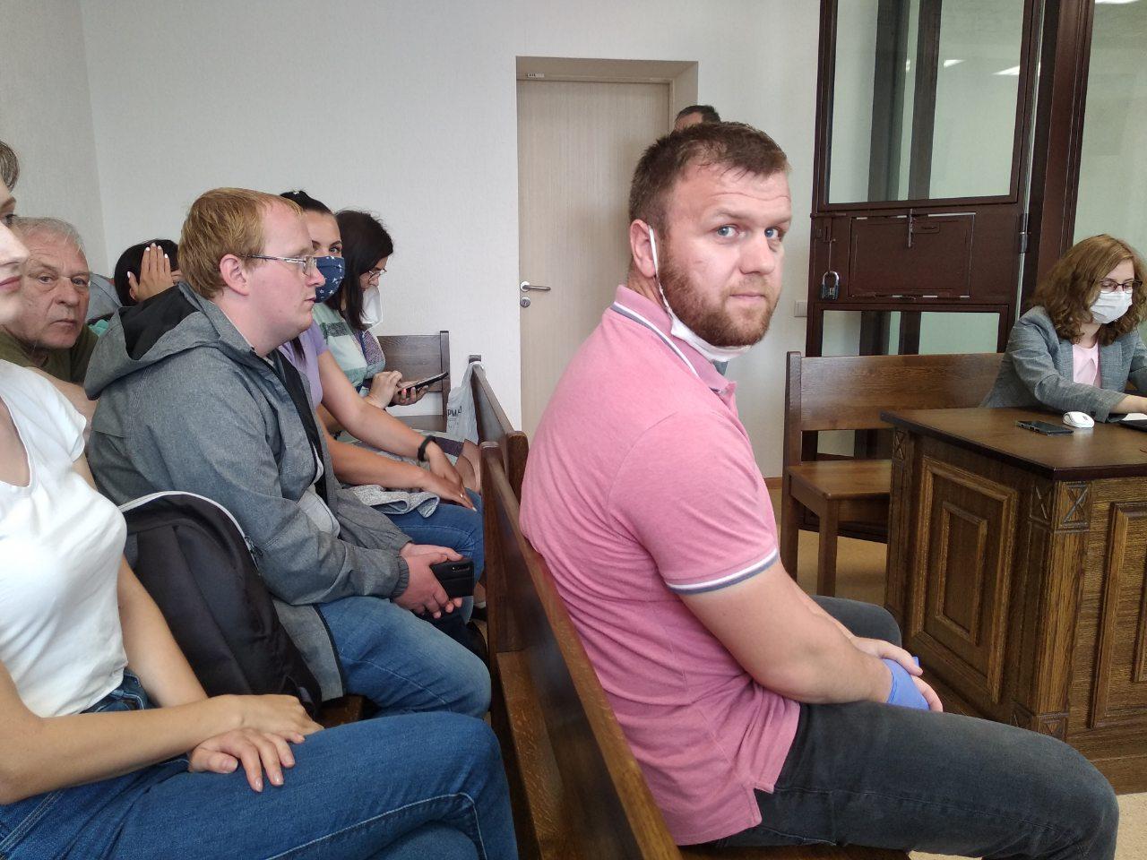 Александр Позняк перед началом заседания. Фото: Intex-press