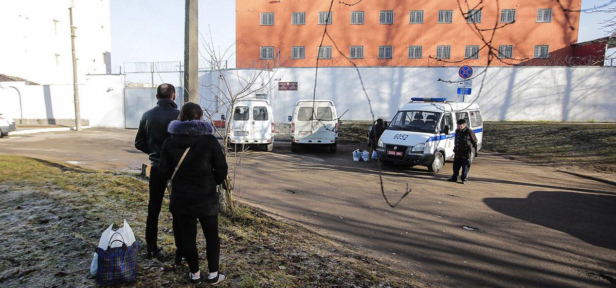 В Минске семейную пару отправили «на сутки», дома остался 6-летний ребенок
