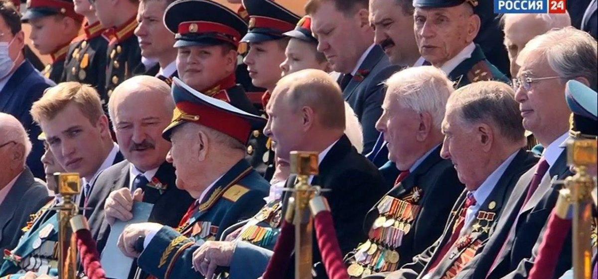 Лукашенко прибыл на парад Победы в Москву с тремя сыновьями. Фотофакт