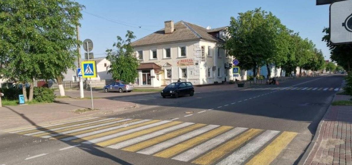 Мотоциклист сбил женщину на пешеходном переходе в Барановичах