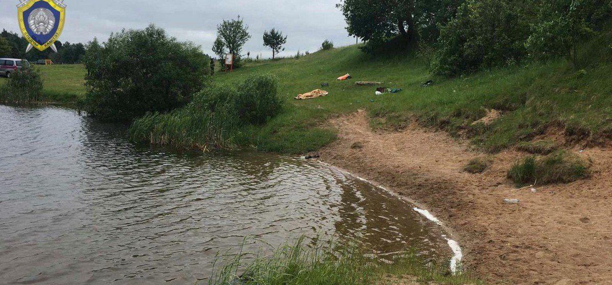 «Поплыли кормить лебедей». Чудовищная трагедия произошла на водоеме в Минской области