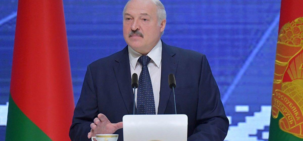 Лукашенко призывает людей изменить образ жизни: Вы по росе когда ходили в последний раз?