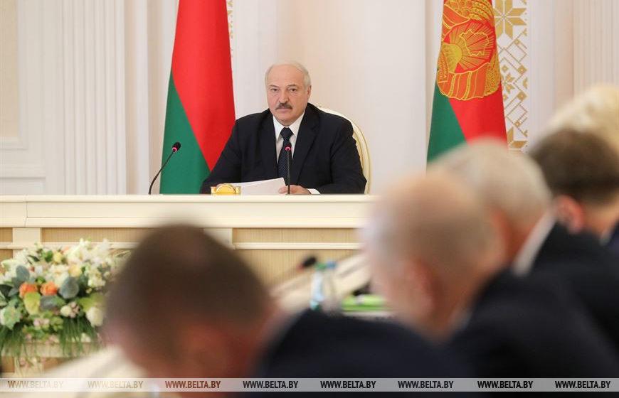 Лукашенко рассказал о том, сколько стоила Беларуси борьба с коронавирусом