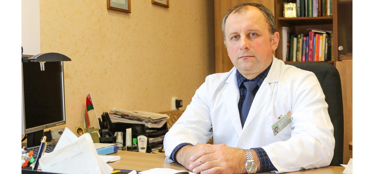 Почему рак легких выявляют на последних стадиях, о первых симптомах, и кто чаще болеет, рассказал врач