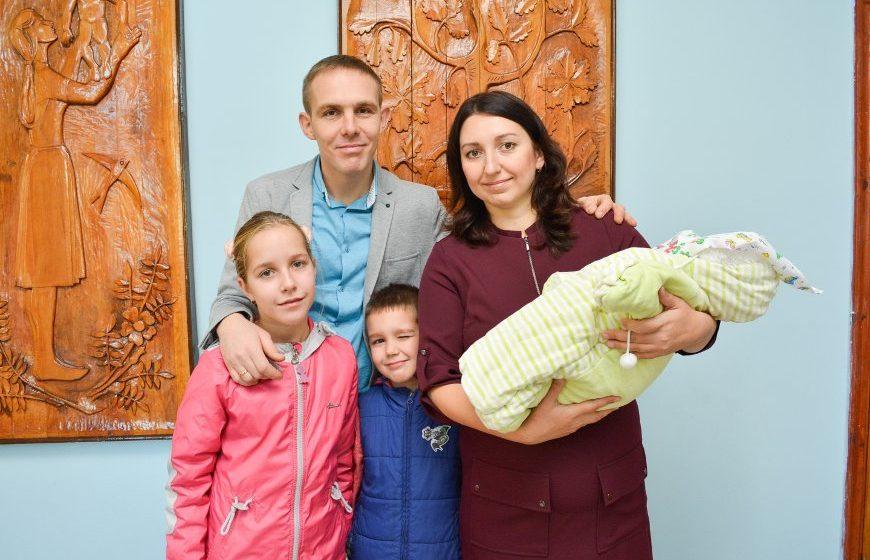 «Приехали в отпуск, а остались навсегда». Как семья беженцев из Украины строит жизнь в Барановичах