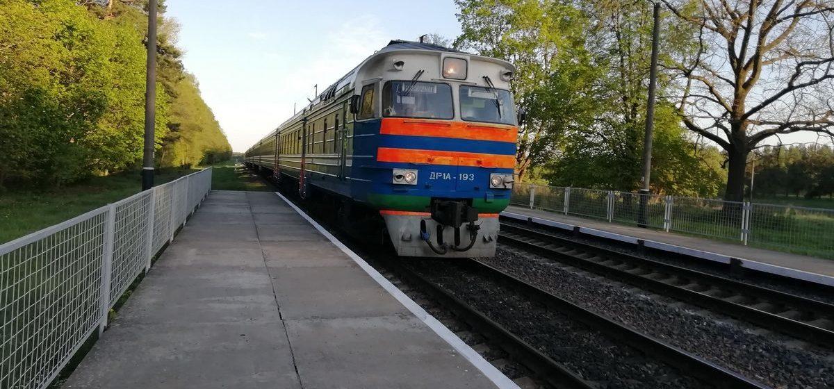 Пьяный пассажир пытался душить помощника машиниста в поезде под Барановичами