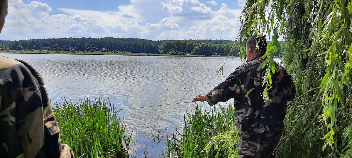 Браконьерские сети на водохранилище Кутовщина. Фото: Александра РАЗИНА.