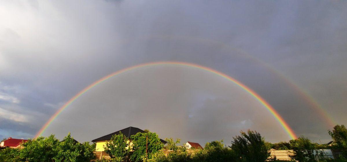Двойная радуга появилась над Барановичами. Фотофакт