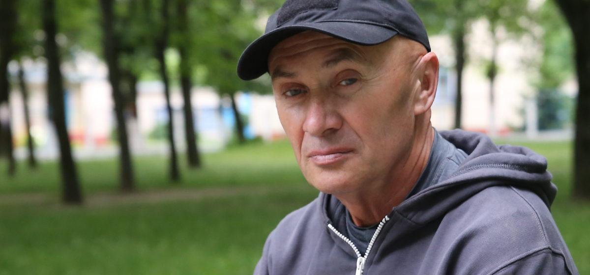 «У отсидевшего в тюрьме пенсия больше». Как житель Барановичей за 19 лет в армии заслужил только социальную пенсию