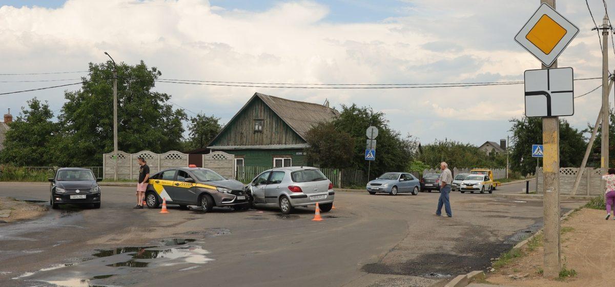 Женщина-водитель пострадала в ДТП в Барановичах