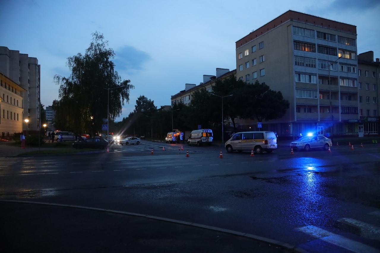 ДТП на перекрестке улиц Советская и Коммунистическая. Фото: Александр КОРОБ