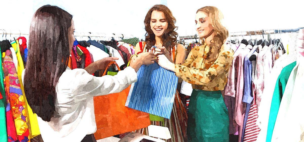 Так и живем. Продавец одежды о своих доходах и расходах. «Удается отложить около 100 рублей»