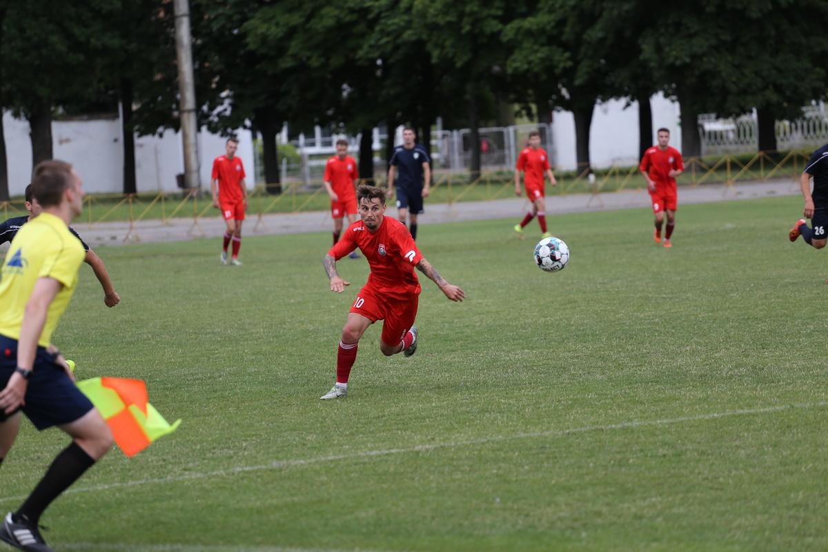 Дмитрий Хлебосолов открыл счет в матче, забив 14-й в сезоне гол.