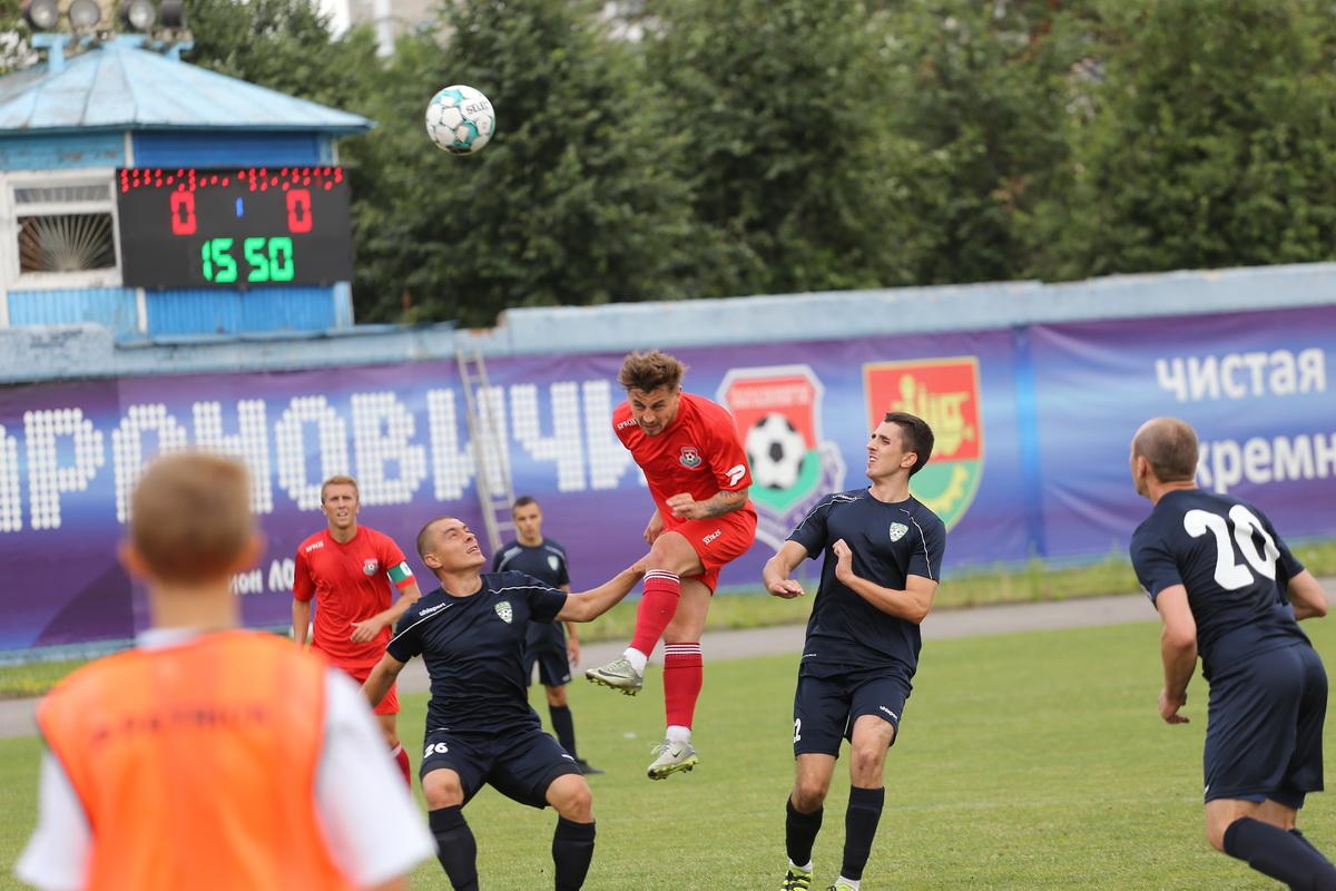 Дмитрий Хлебосолов (№10) открывает счет.