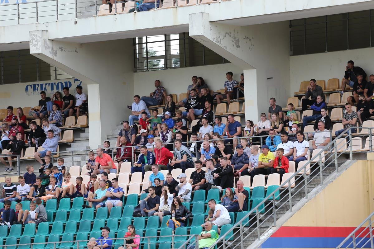 На матче присутствовали 453 зрителя.