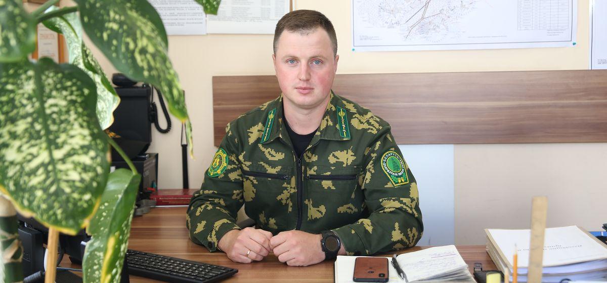 Александр Селивончик, инженер по охране и защите леса Барановичского лесхоза. Фото: Андрей БОЛКО,