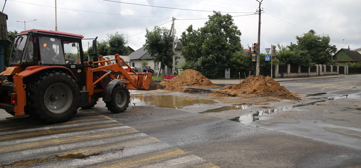 Как ведется ремонт на перекрестке улиц Советская и Баранова. Фотофакт