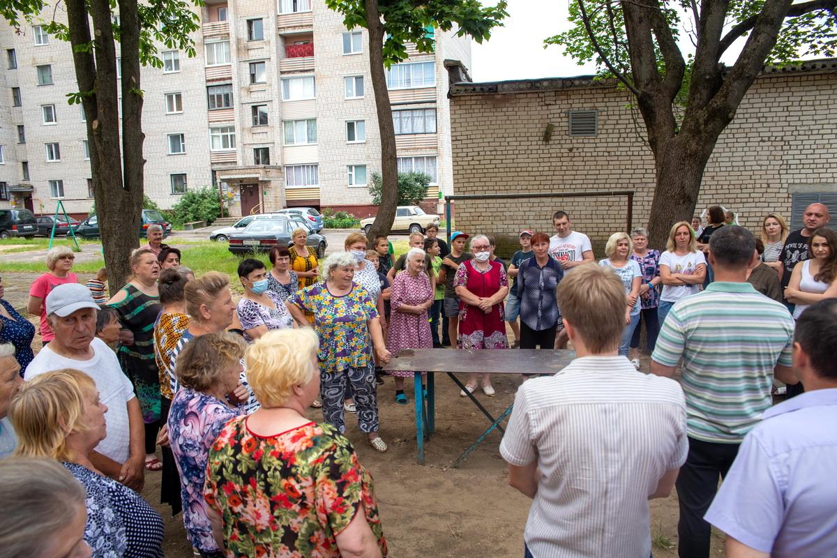 Собрание 6 июля. Фото: Андрей БОЛКО