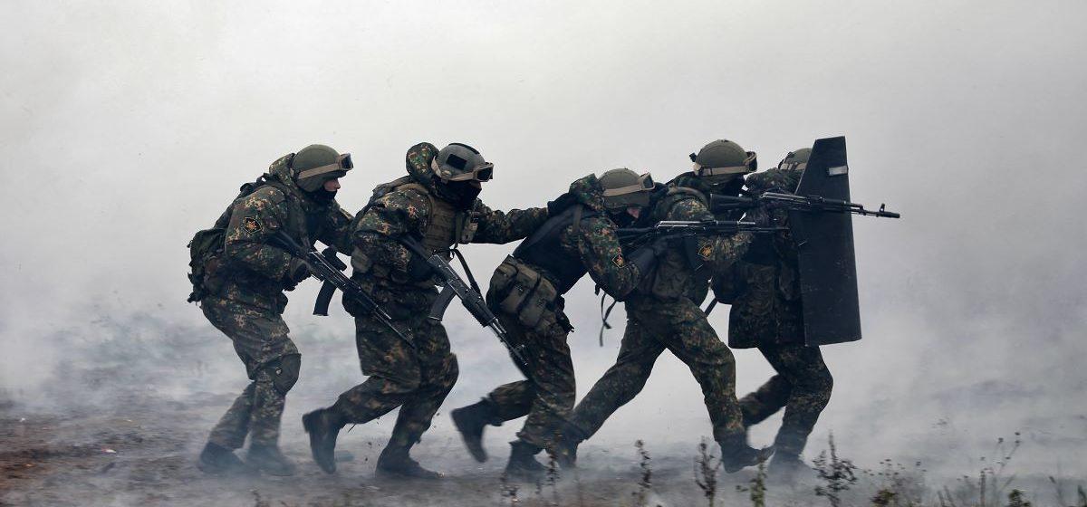 БЕЛТА: 32 боевика иностранной частной военной компании задержаны под Минском