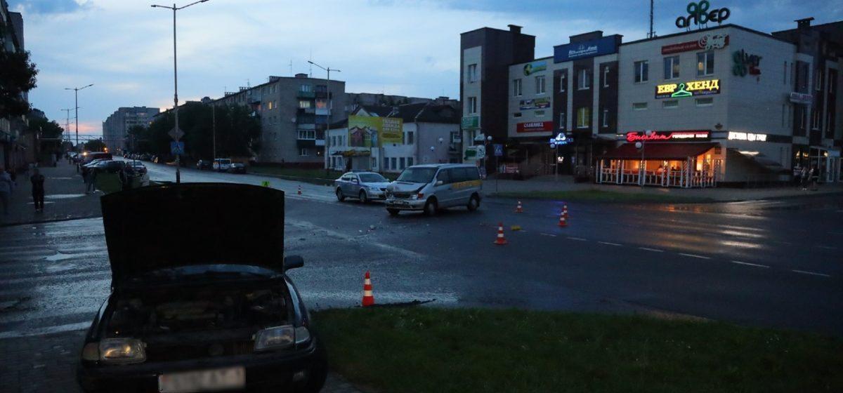 Два водителя и пассажирка пострадали в ДТП в Барановичах