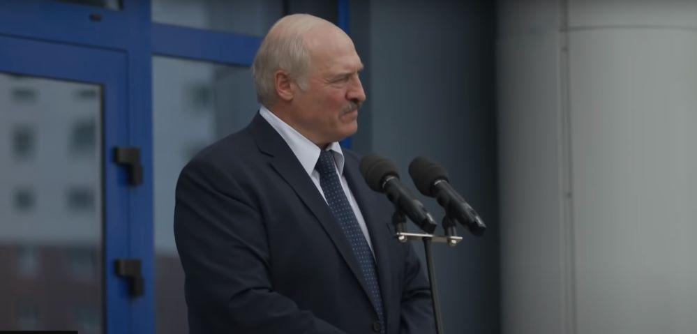 Лукашенко: Никаких заморских поездок. По возвращении готовьтесь сесть на карантин — на 10 дней за свой счет