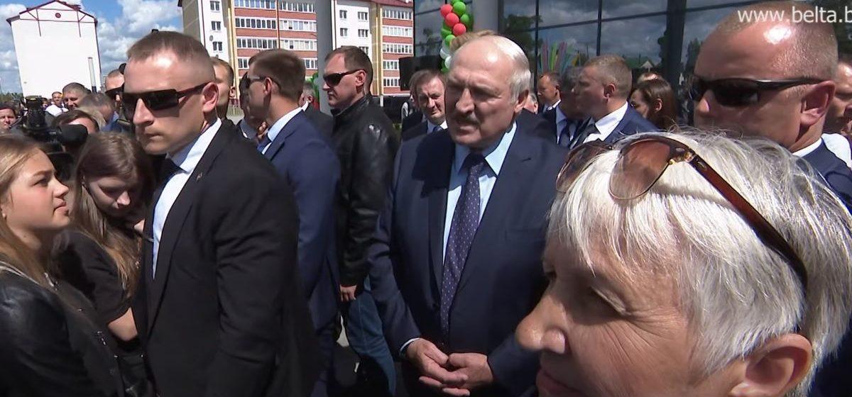 С кем встречался Лукашенко, когда болел коронавирусом?