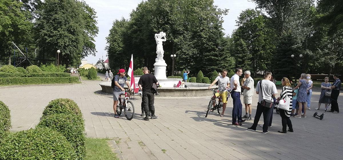 Очередной пикет в поддержку Тихановской прошел в Барановичах