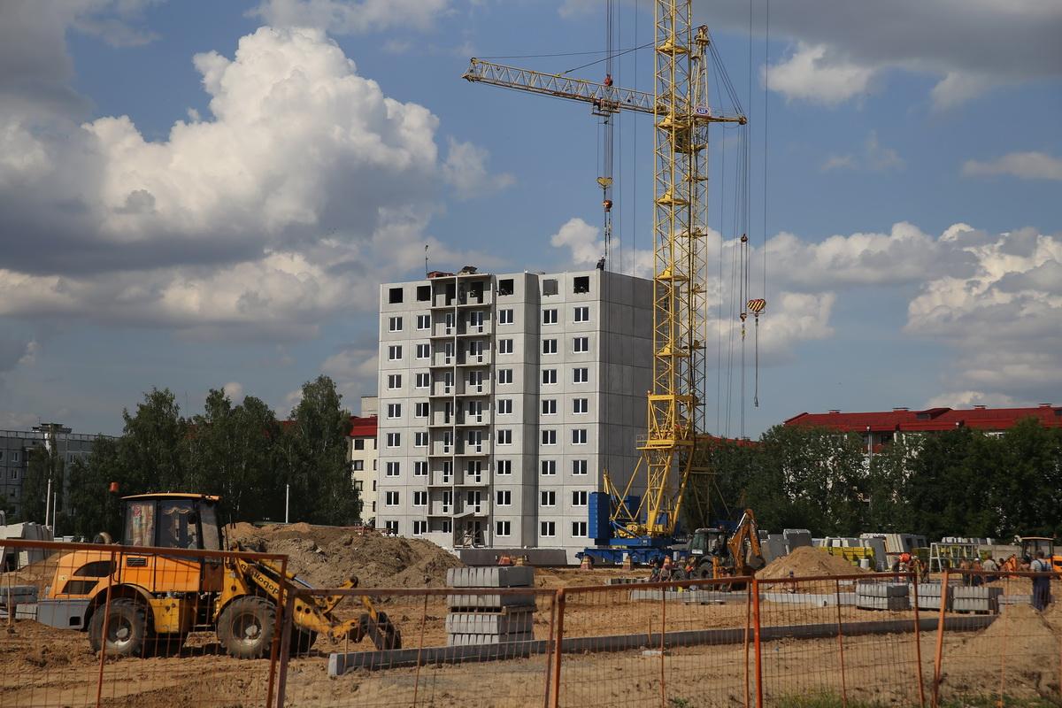 Строительство домов на улице Профессиональной. Фото: Андрей БОЛКО