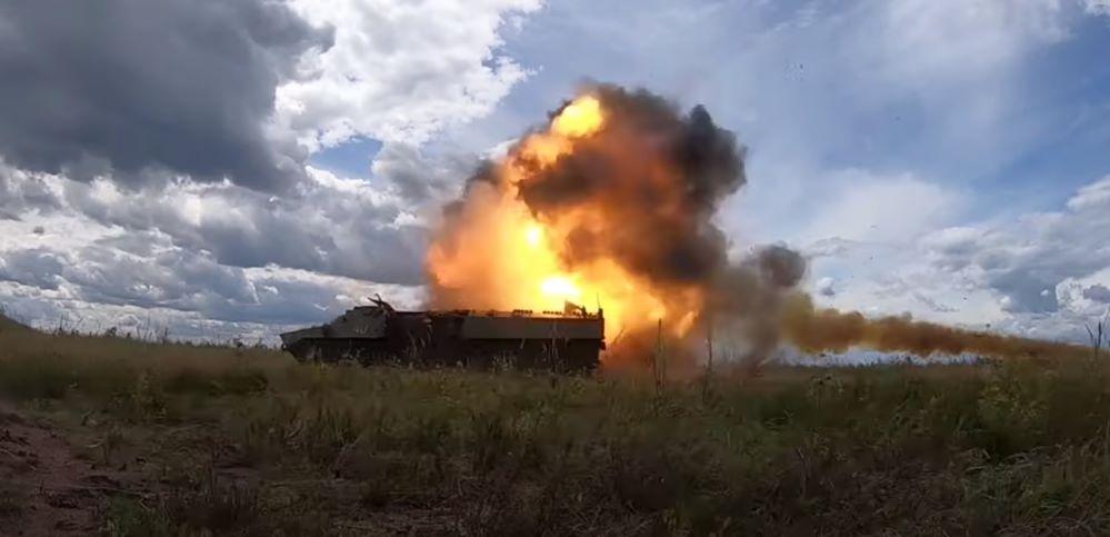 Военные испытали обновленную противотанковую ракету под Барановичами. Видео