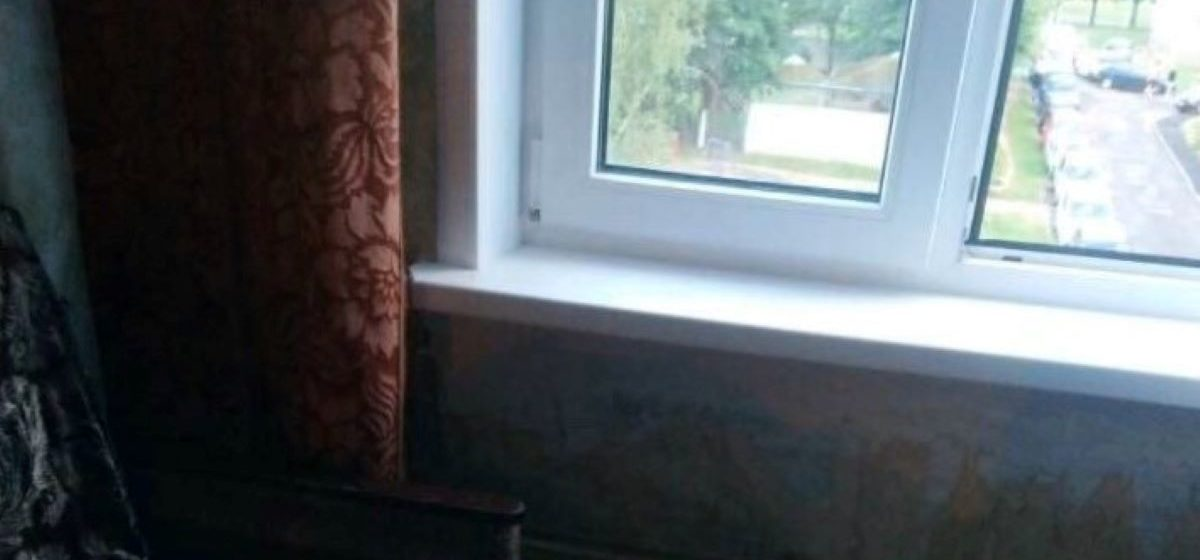Годовалая девочка выпала из окна четвертого этажа в Минске