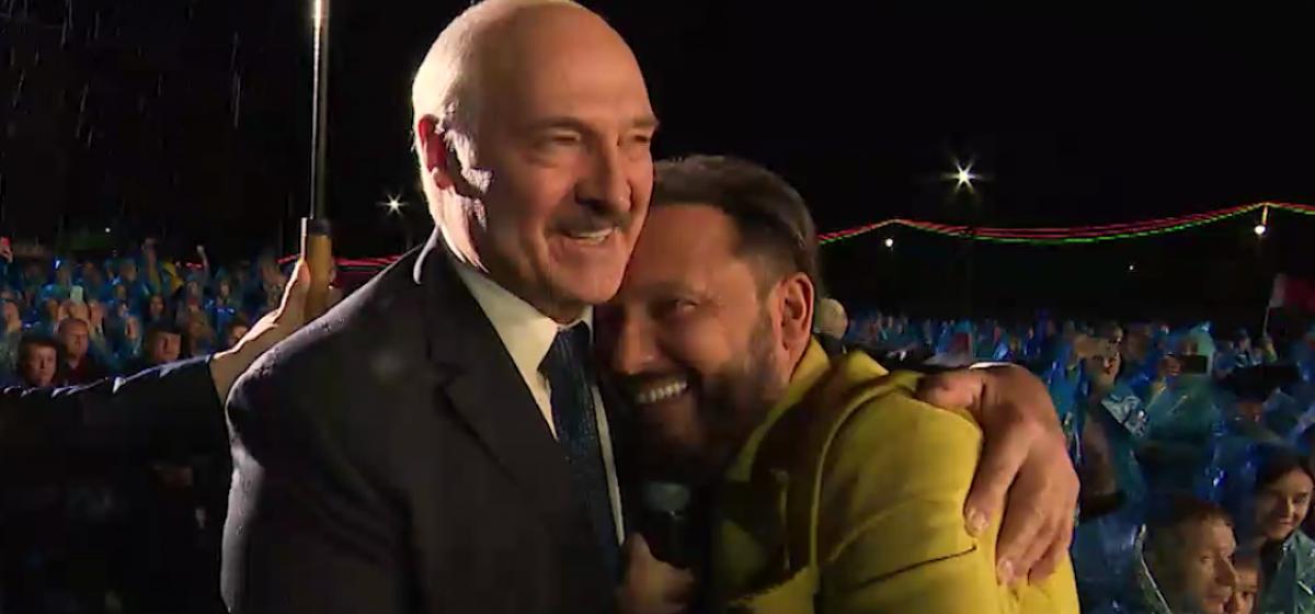 Как Стас Михайлов обнимался с Лукашенко