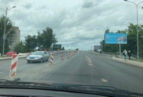 После ремонта открыли движение по двум полосам путепровода в Барановичах. Видео