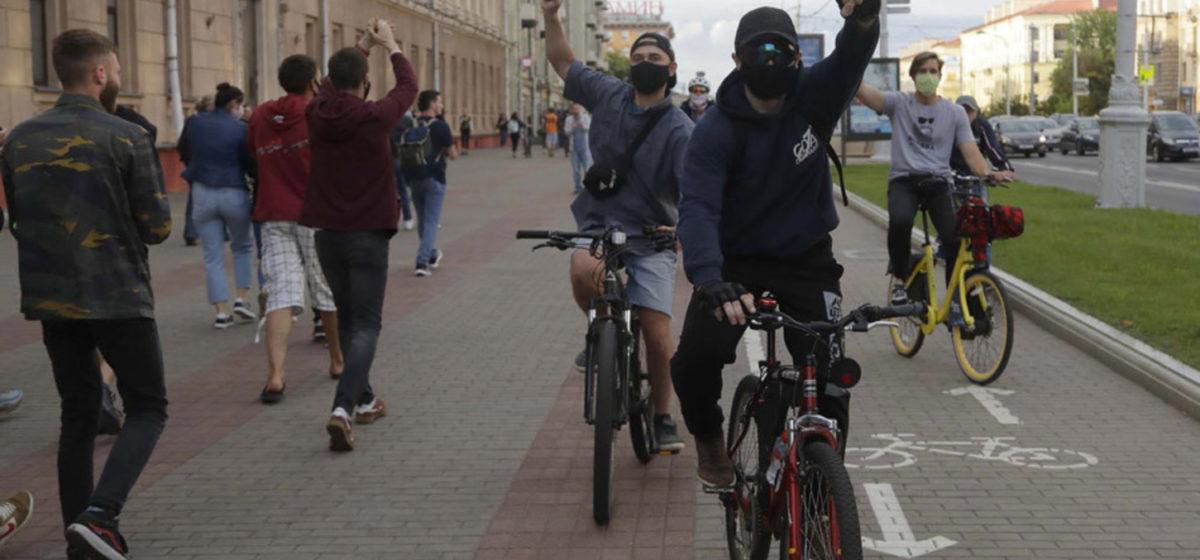 Как протестовал Минск. 10 показательных фото