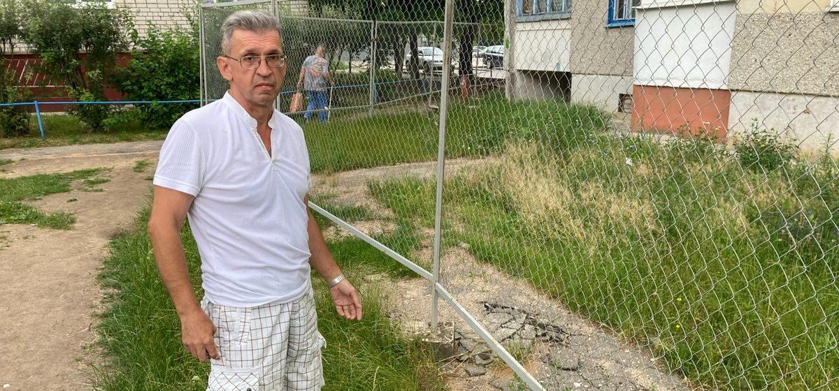 «Раньше на ямах спотыкались, а сейчас – о бугры нового асфальта». Почему недовольны ремонтом дорожки жильцы дома в Северном микрорайоне в Барановичах