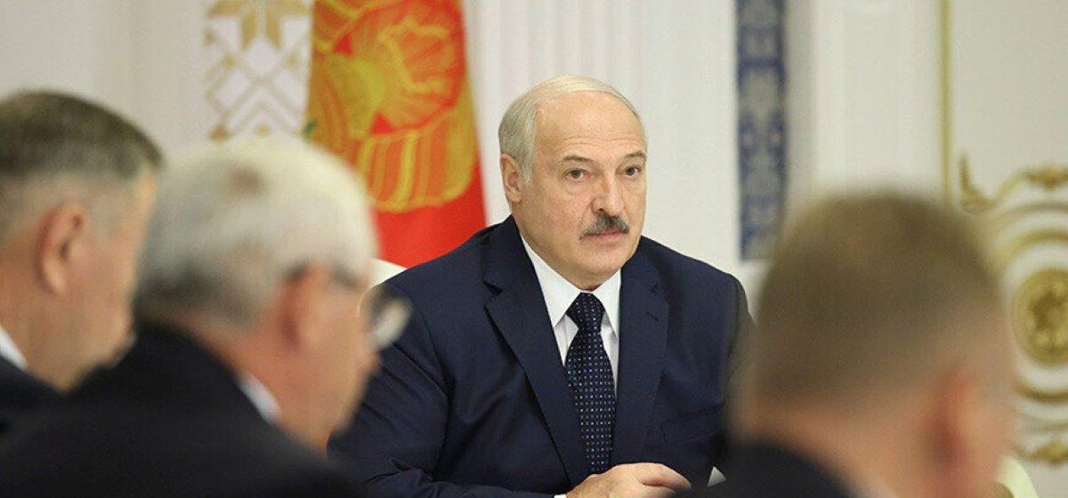 Лукашенко: На митингах в мою поддержку выступили три миллиона человек — это силища. А с улицей мы справимся
