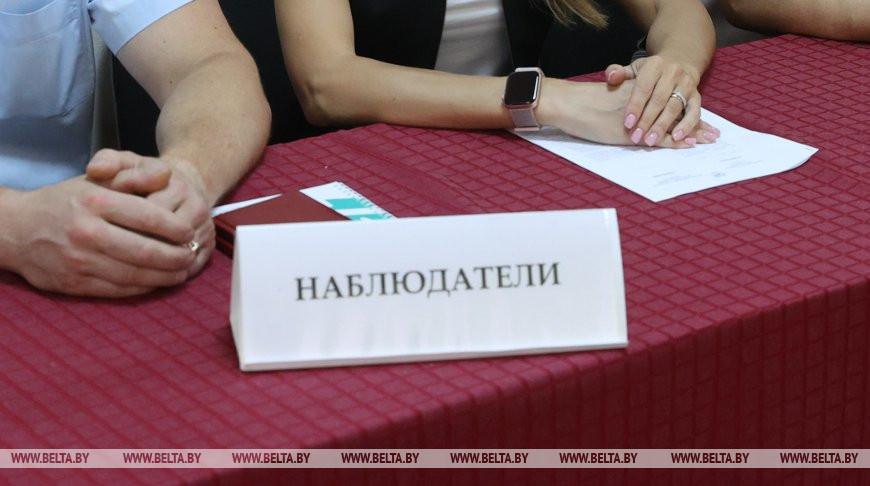 Барановичские наблюдатели, которых не пустили на участок, вызвали милицию на председателя комиссии
