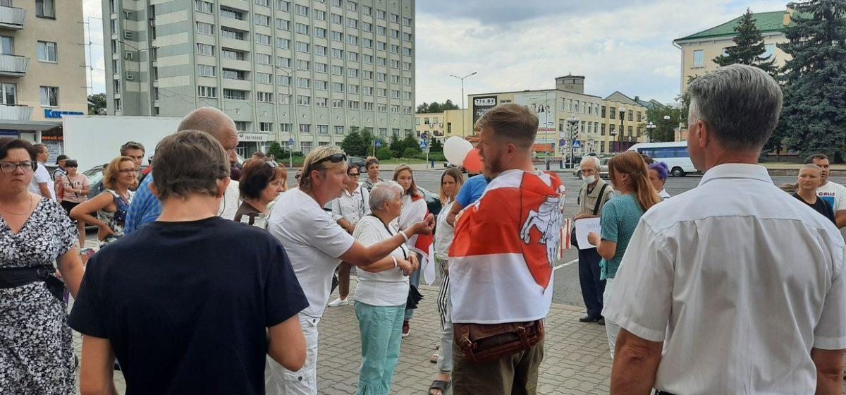 Горожане передали требования в горисполком. Как в Барановичах проходит девятый день протестов. Онлайн