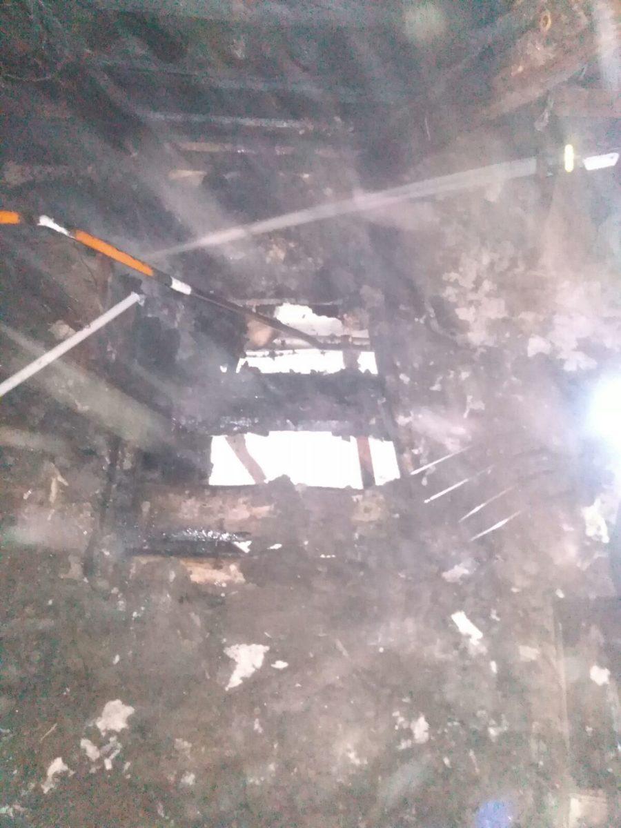 Пожар в поселке Светлый. Фото: Барановичский ГРОЧС
