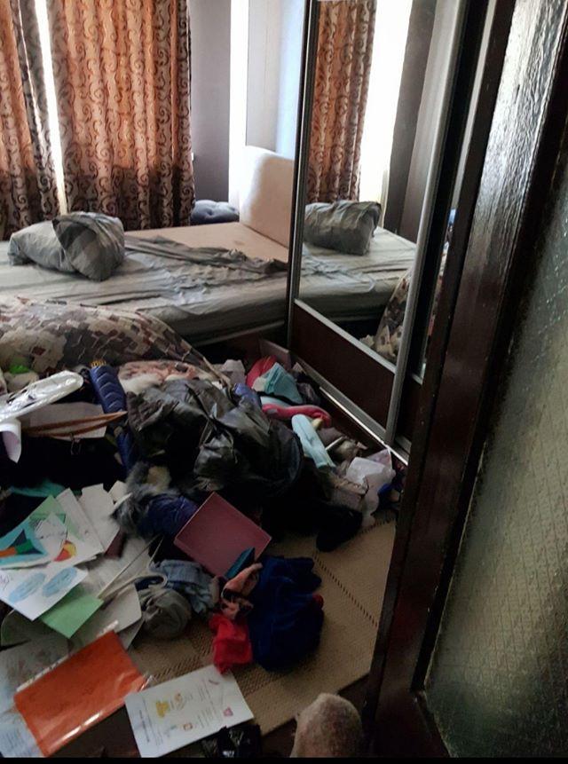 Стоило Наталье уехать, воры перевернули всю квартиру. Фото из личного архива героини